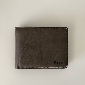 Roots Leather Wallet NEW